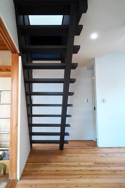 S様邸中古住宅リフォーム後(階段)